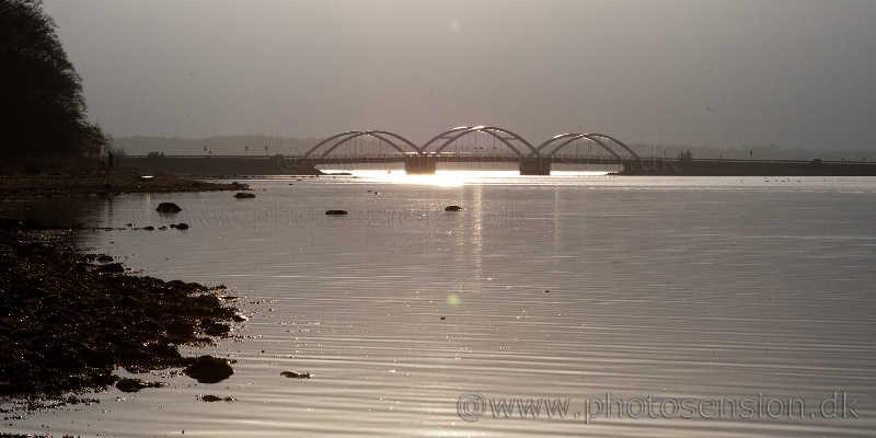 Munkholmbroen i modlys